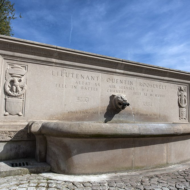 "Quentin Roosevelt Monument, aka ""Roosevelt Fountain"", at Chamery © Rémy SALAÜN - All rights reserved"