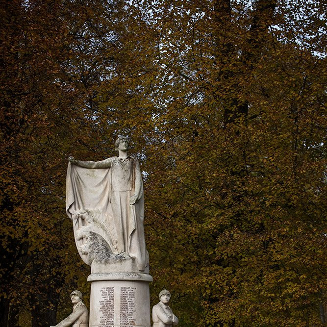 Villers-Cotterêts War memorial © Rémy SALAÜN - All rights reserved