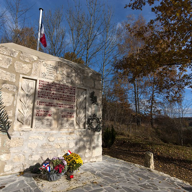 Vernes et Peinaud monument © Rémy SALAÜN - All rights reserved